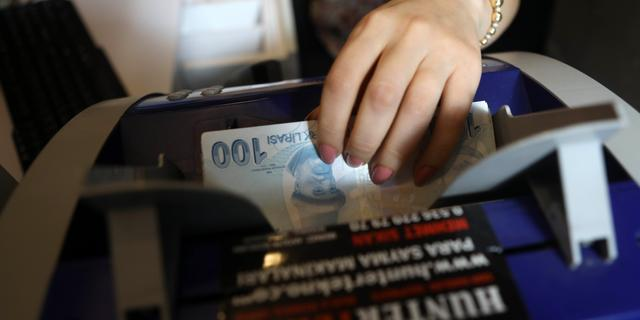 Turkse lira daalt nog eens 10 procent tot nieuw dieptepunt
