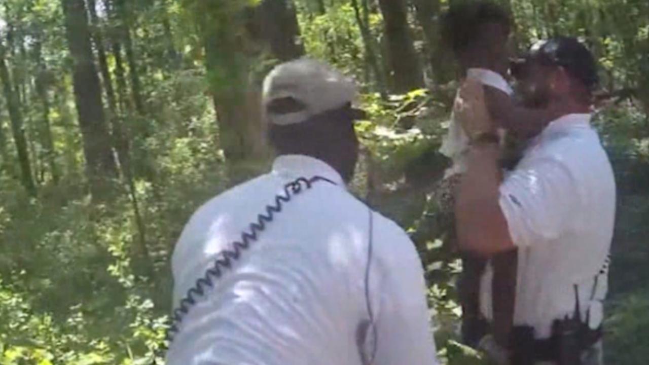 Politie vindt tweejarig vermist meisje terug in bossen in Georgia