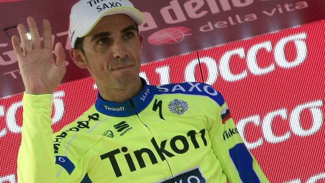 Contador houdt ontwrichte schouder over aan valpartij in Giro