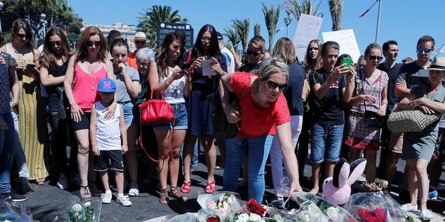 'Man met groot mes gearresteerd bij herdenking op boulevard Nice'