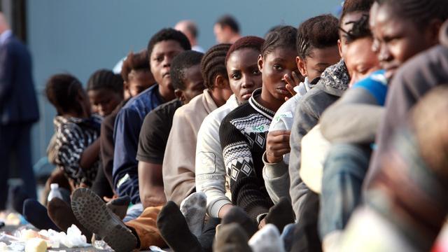 EU-landen gaan vluchtelingen vrijwillig spreiden