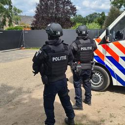Politie vindt in Nederweert grootste crystalmethlab ooit in Nederland
