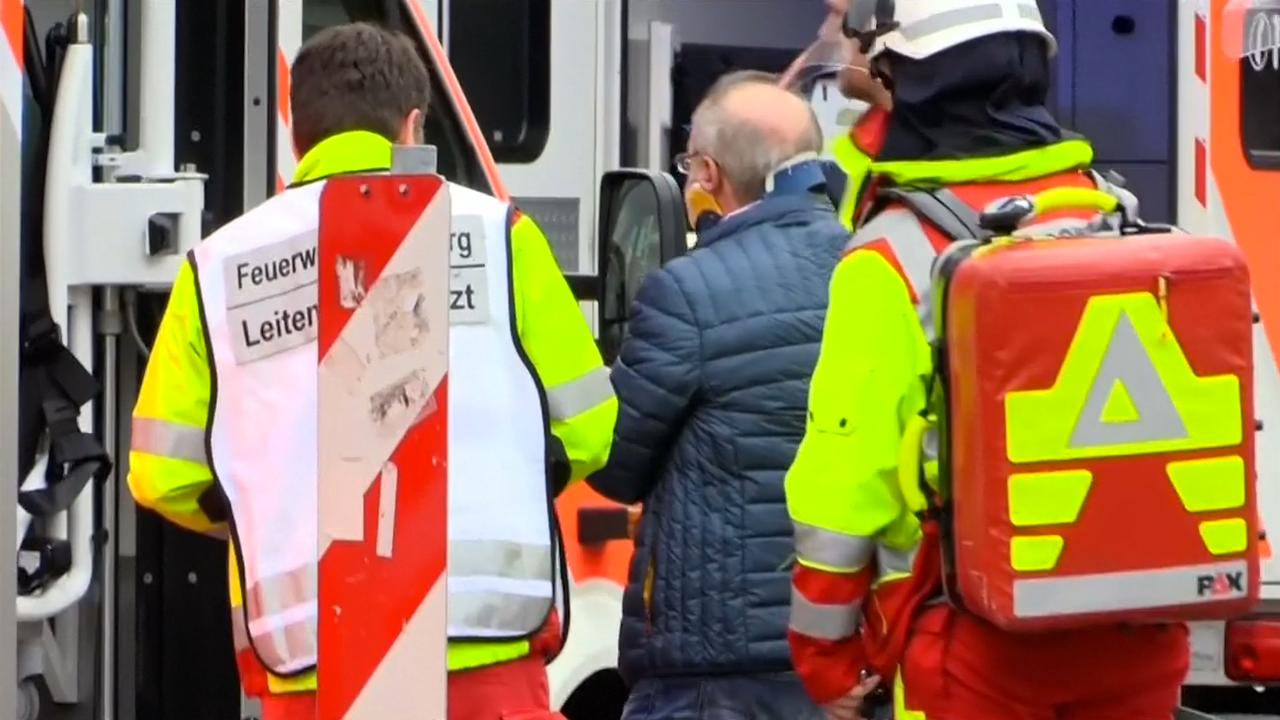 Hulpdiensten rukken massaal uit na trambotsing Duisburg