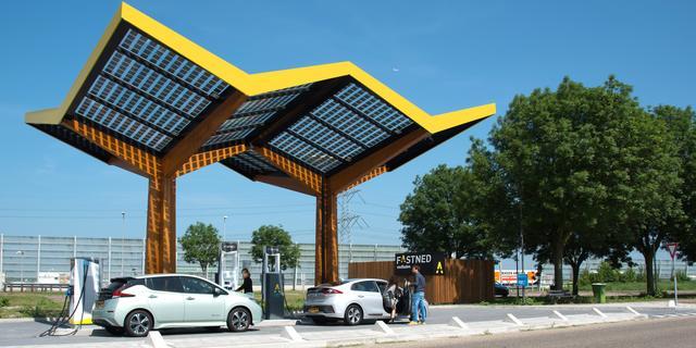 'Tekort aan metalen staat overgang naar elektrisch rijden in de weg'