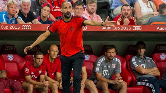 Guardiola boos op Nigel de Jong na blesseren Bayern-speler