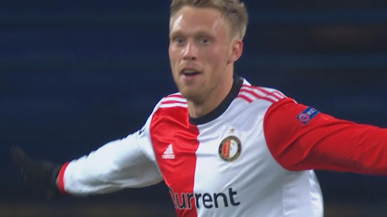 Jörgensen kopt Feyenoord op voorsprong tegen Shakhtar