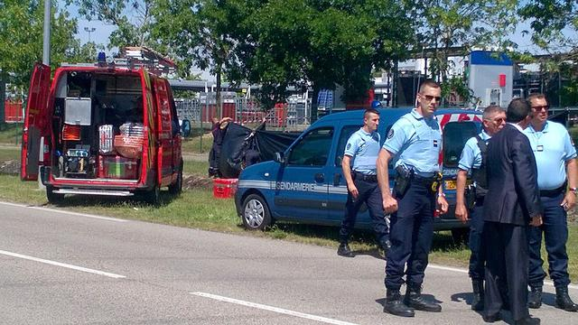 Het nieuws van 26 juni: Aanslag op fabriek in Frankrijk