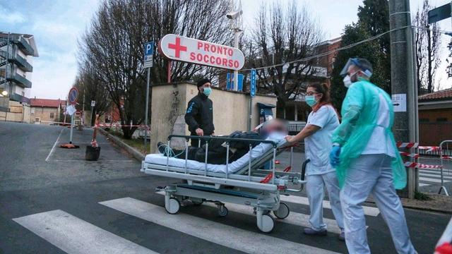Besmettingen Europa | Duitsland zoekt carnavallers