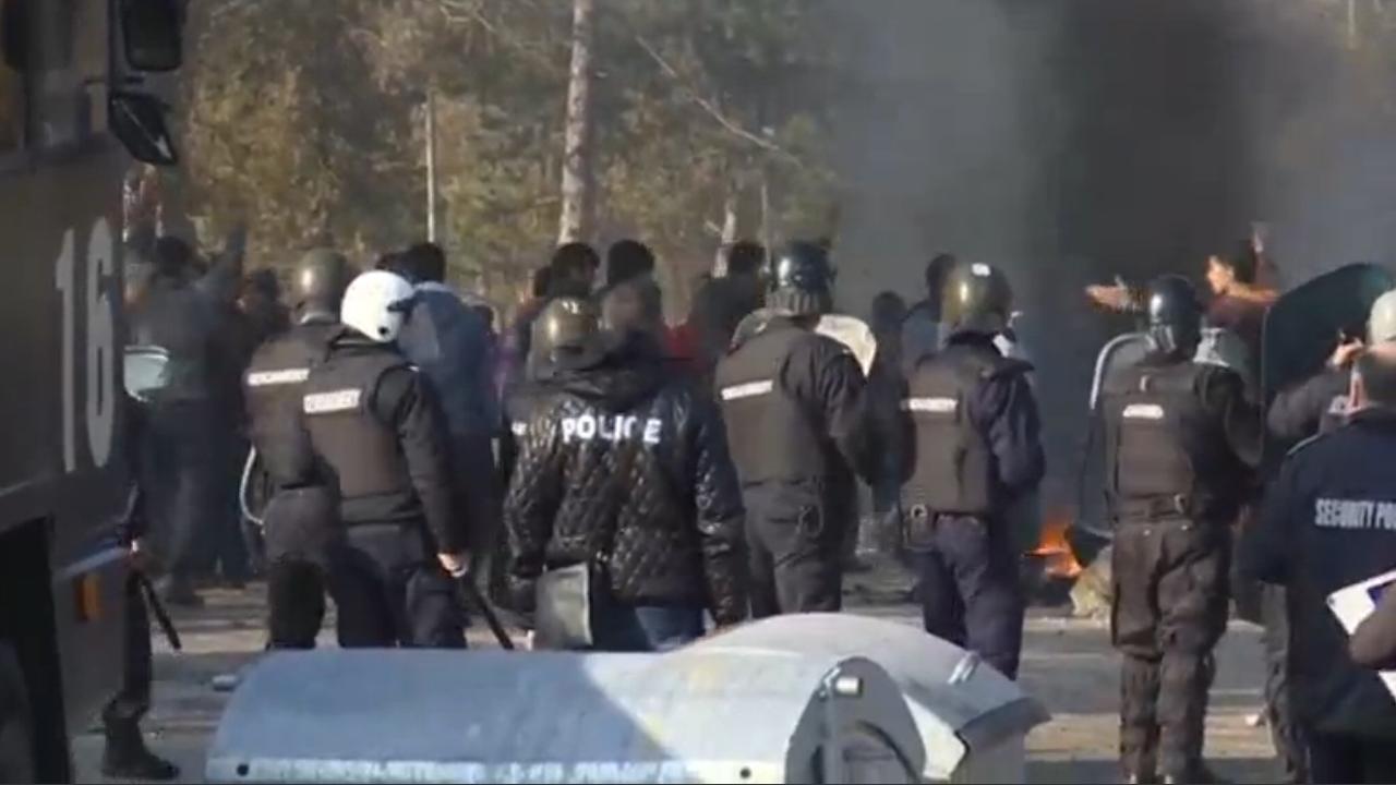 Tweehonderd mensen gearresteerd in Bulgaars vluchtelingenkamp