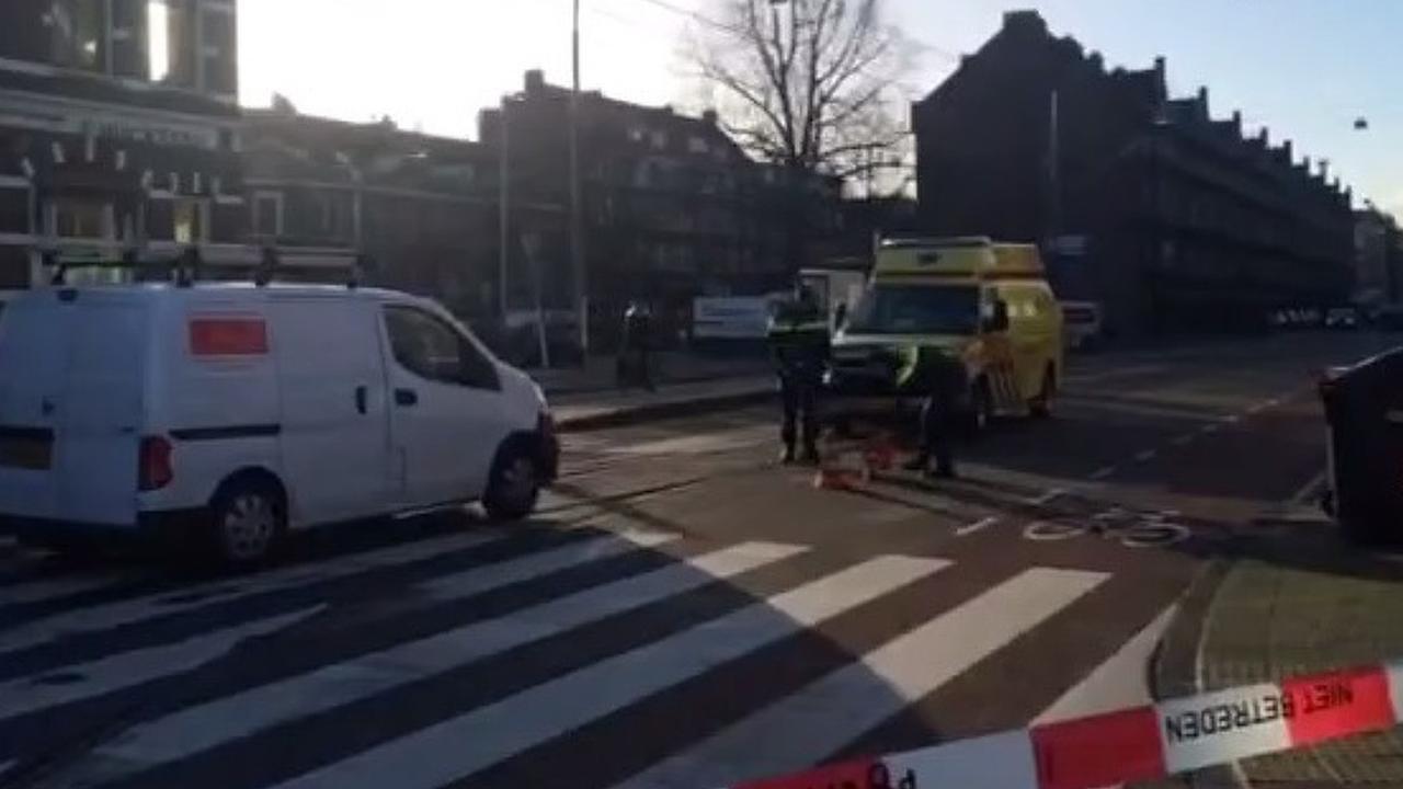 Vrouw aangereden op zebrapad Marnixplein