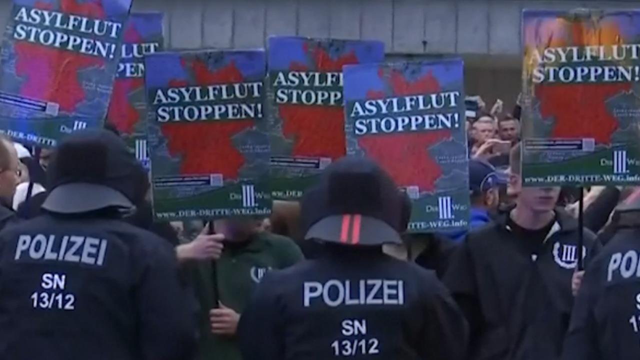 Duitse politie grijpt in bij protest na dodelijke steekpartij
