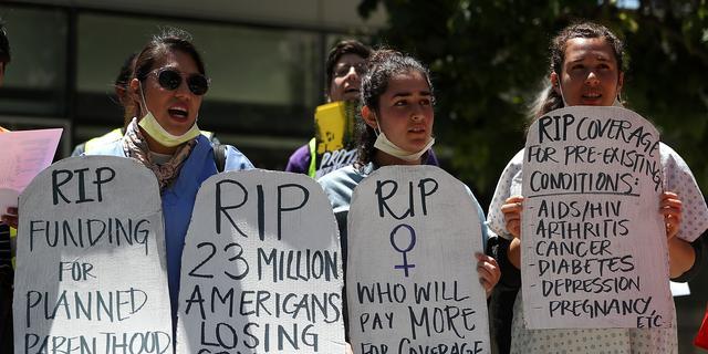 '22 miljoen Amerikanen verliezen zorgverzekering bij Trumpcare'