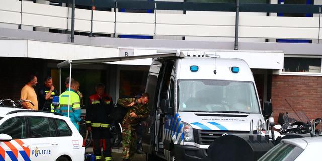 Auto ramt besnijdeniskliniek in Nieuw-West