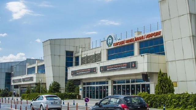 Ruziënde agenten schieten elkaar neer op Turkse luchthaven