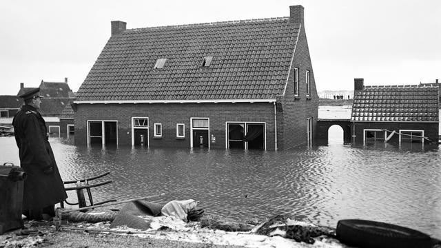 Slachtoffers Watersnoodramp Reimerswaal herdacht in Kruiningse kerk