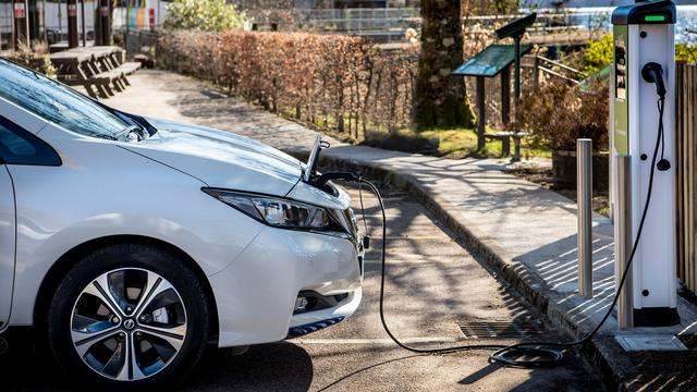 Alles wat je moet weten over het bijladen van elektrische auto's