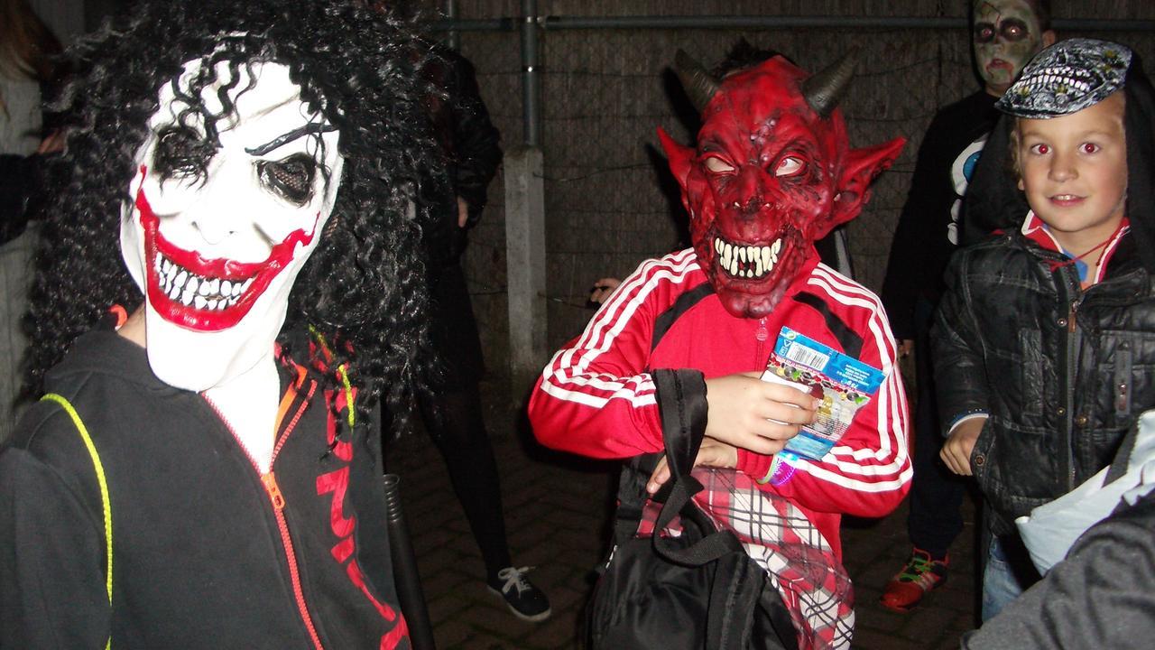 Kinderen Halloween.Kinderen Vieren Halloween In Zwembad De Oester Nu Het