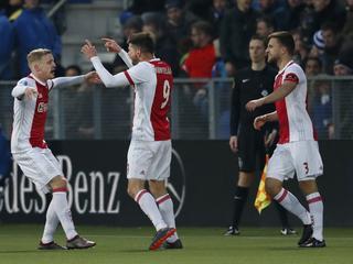 Amsterdammers winnen met 0-1 dankzij doelpunt Huntelaar
