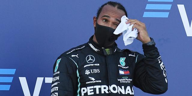 FIA zet strafpunten Hamilton voor proefstarts om in boete voor Mercedes