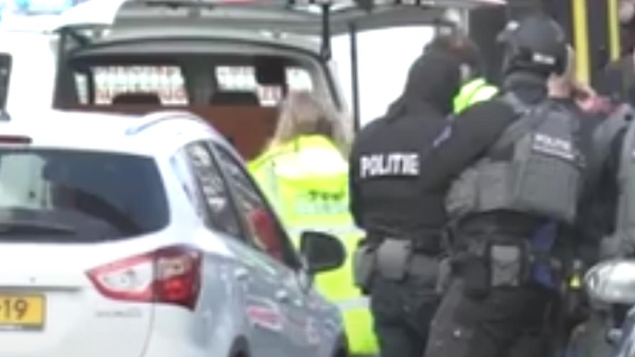 Hulpdiensten massaal aanwezig na aanslag in tram Utrecht