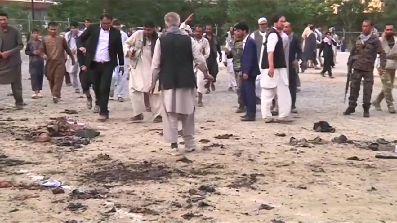 Tientallen doden en gewonden bij aanslagen tijdens begrafenis in Kabul