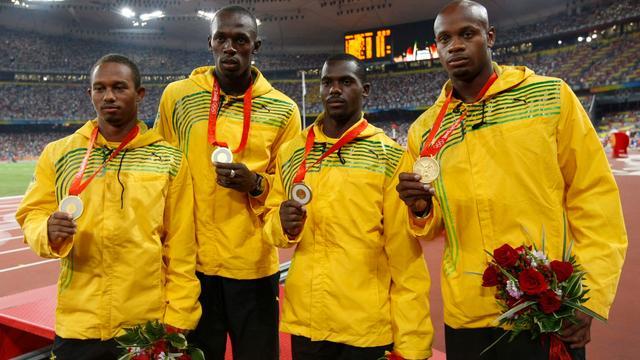 Bolt raakt één olympische titel uit 2008 kwijt door dopingstraf teamgenoot