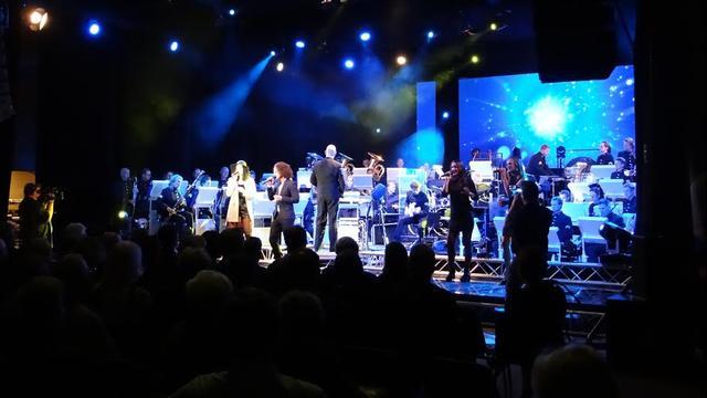 Mooie start jubileumweekend Koninklijke Harmonie Nut en Vermaak