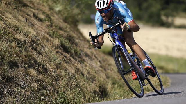 Nibali aast op ritzege in Alpen om mensen te bedanken