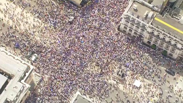 Drone toont massaprotest tegen Brexit in Londen