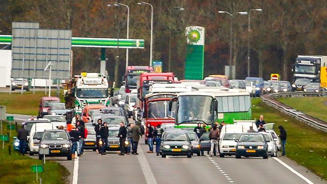 Demonstranten van anti-Zwarte Piet-blokkade A7 voor rechter