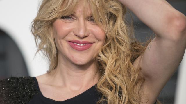 Courtney Love vlucht uit 'gegijzelde taxi' in Parijs