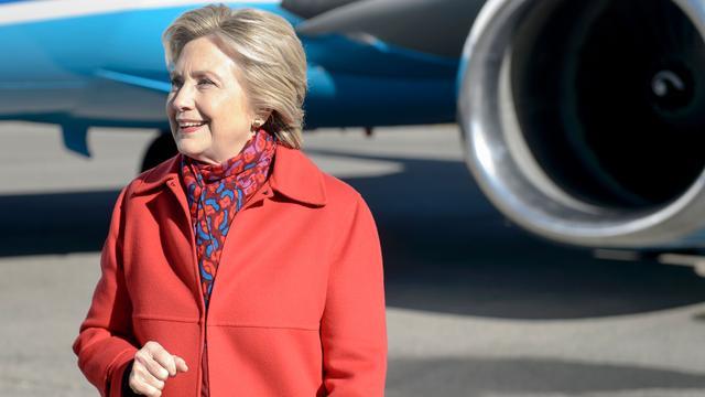 Hillary Clinton te gast in Late Show van Stephen Colbert