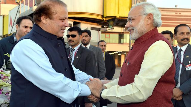 Indiase premier Modi brengt verrassingsbezoek aan Pakistan
