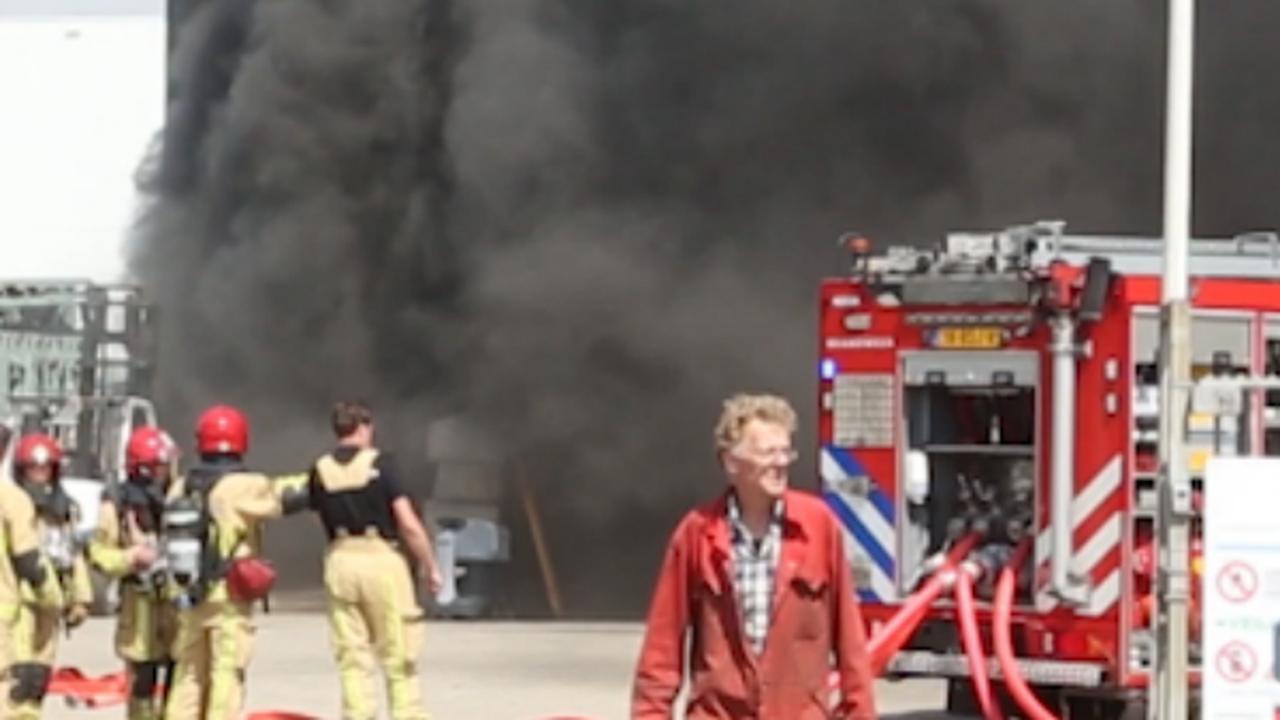 Veel rook bij brand in plasticrecyclingbedrijf Amsterdam