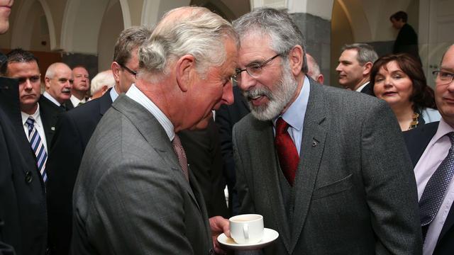 Prins Charles ontmoet leider Sinn Féin