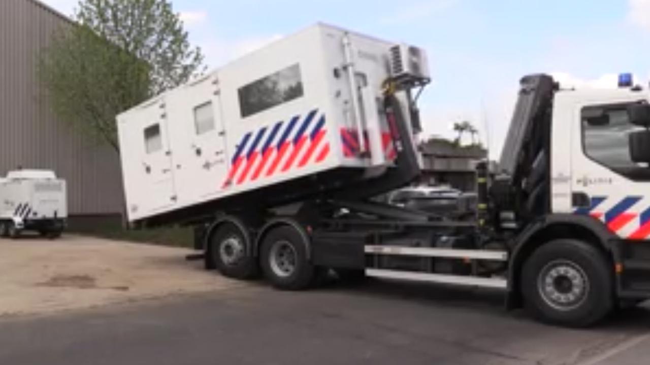 Politie zet loods in Terborg af om vondst drugslab