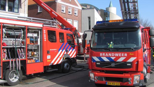 Brand in kruipruimte woning Bos en Lommer