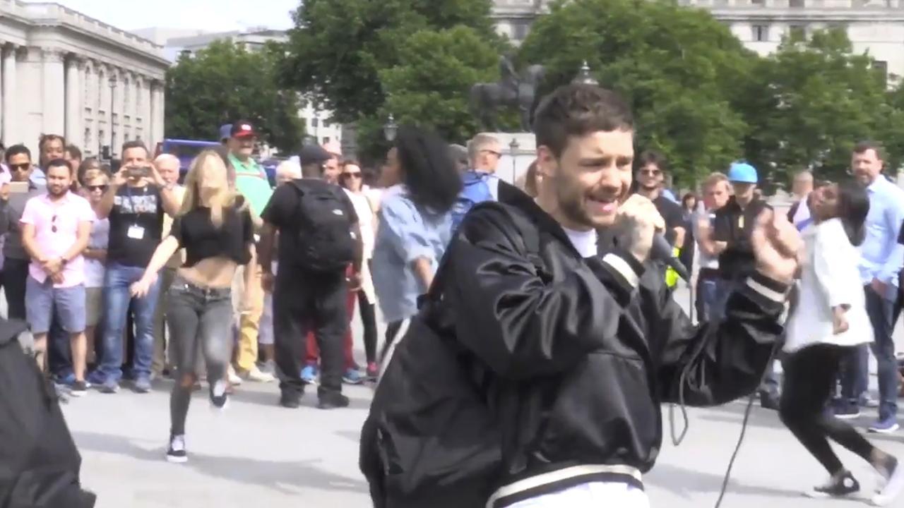 Liam Payne gaf verrassingsconcert als straatmuzikant in Londen
