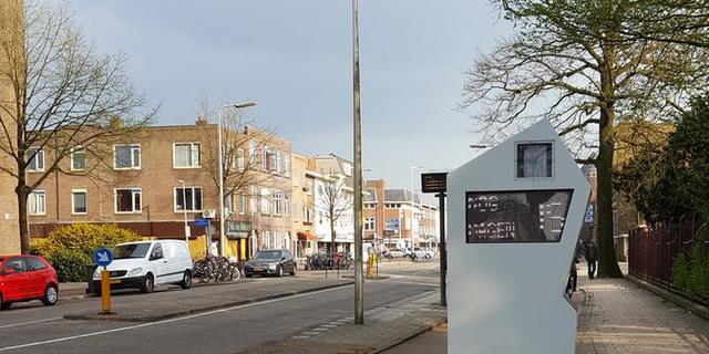 Symbolen geven snelheidsadvies op de Amsterdamsestraatweg