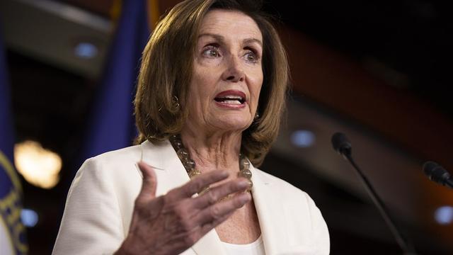 Pelosi kondigt stemming in Amerikaans Huis over tweets van Trump aan