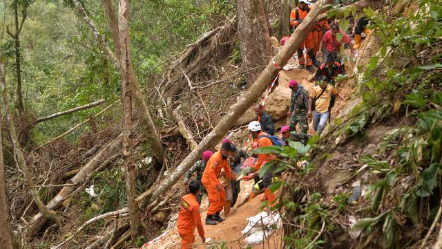 Indonesische autoriteiten vrezen voor nog honderd vermisten na mijnramp