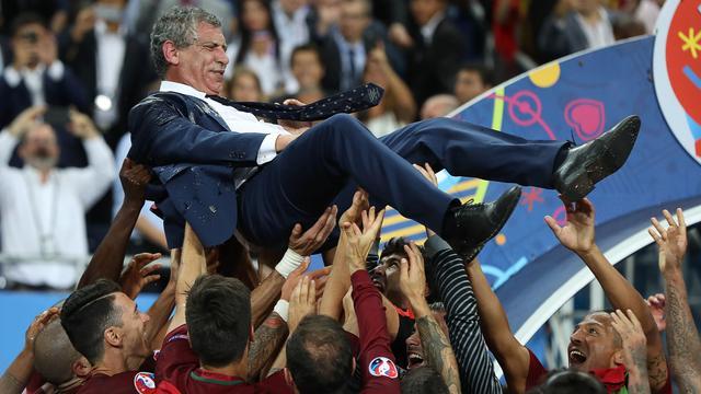 Bondscoach Santos beloond met contract tot 2020 na EK-winst Portugal