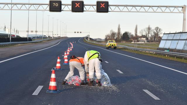 Opruimwerkzaamheden asbest na ongeluk op A4 afgerond.