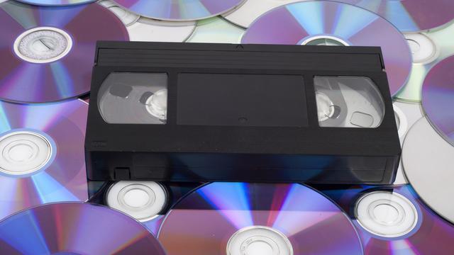 Laatste fabrikant van videorecorders stopt na tegenvallende verkopen