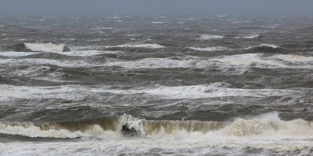 Weerbericht: Droog met zon, in de avond harde wind en storm aan de kust