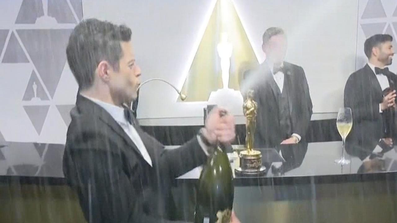 Rami Malek wint Oscar: 'Dankbaar dat ik deel van Queen mag zijn'