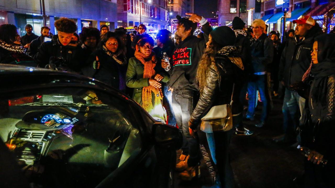 Protest Chicago na video schietende agent