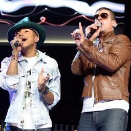 Robin Thicke en Pharrell Williams betalen 5 miljoen dollar voor Blurred Lines