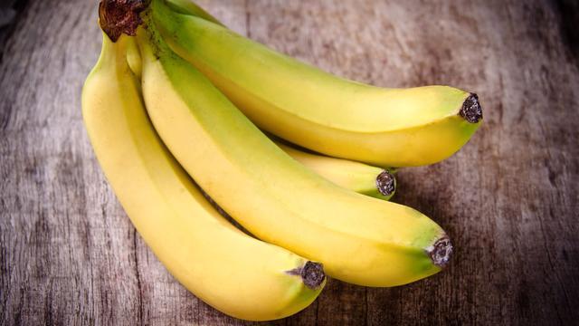 Bruine bananen? Niet meer met deze keukentruc
