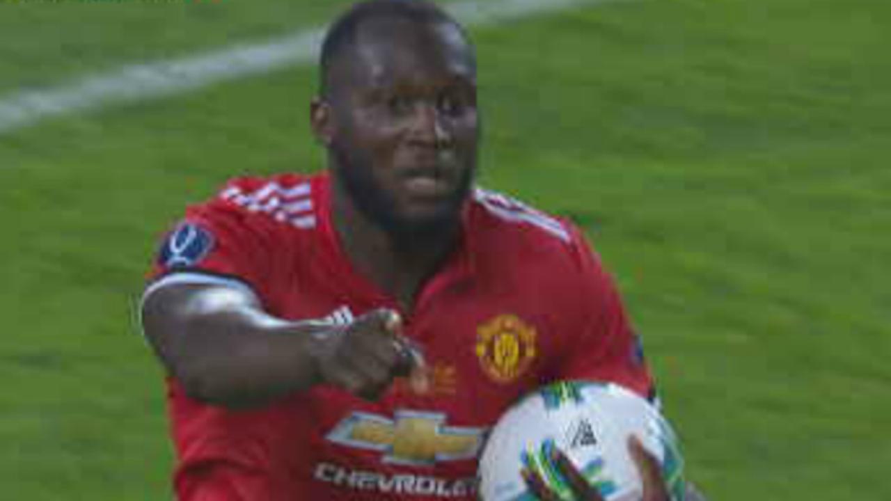 Lukaku maakt aansluitingstreffer voor Manchester United